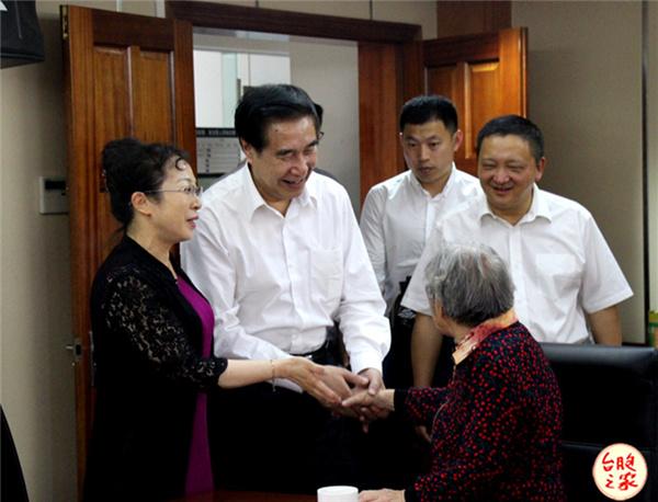 全国台联会长黄志贤赴云南调研考察并举行座谈