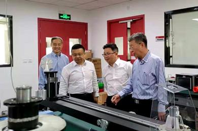 全国台联副会长杨毅周走访上海台商曾鸿炼